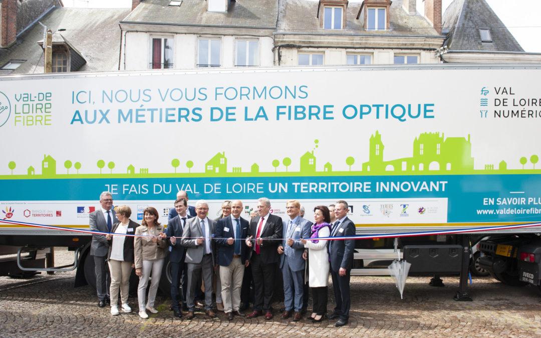Inauguration du premier plateau mobile de formation à Vendôme