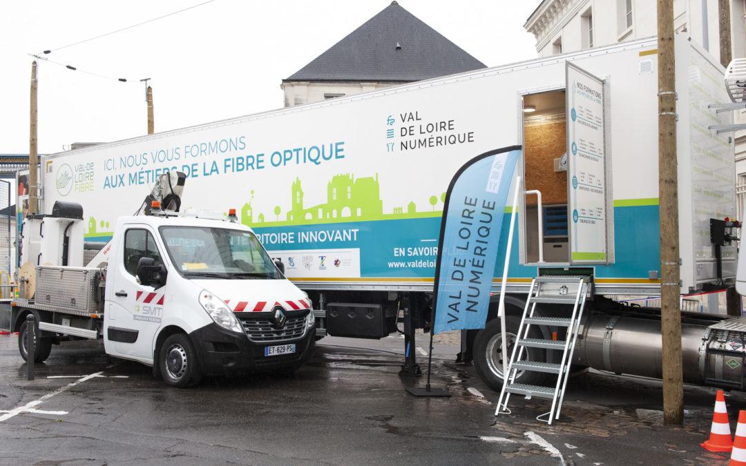 Inauguration du second plateau mobile à Tours